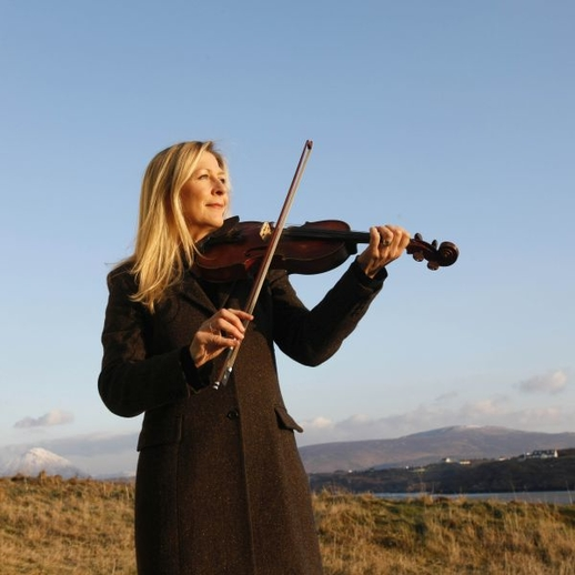 Mairéad Ní Mhaonaigh / Colm Hogan