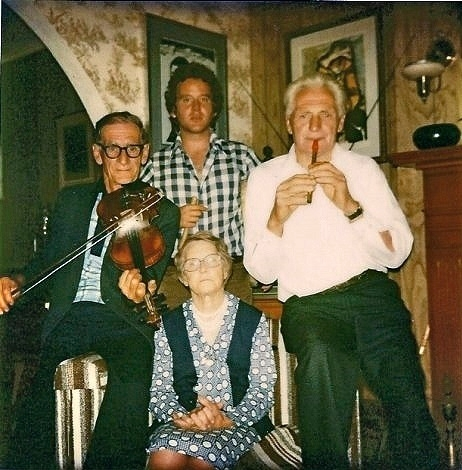 Emile Benoit, Bride and Patsy Judge, and Hugh Rowlings at the Judge's in St John's, Newfoundland / [unidentified photographer]