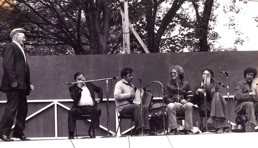 John Joe English on stage at the 1978 Newfoundland Folk Festival / Len Penton, photographer