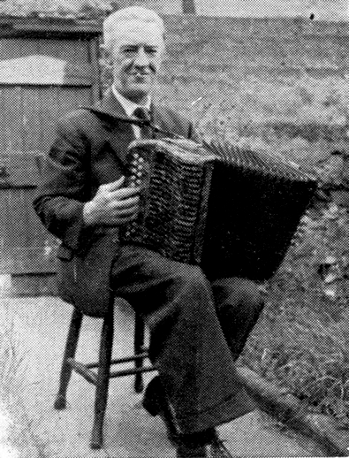 Patrick Sonny Brogan, accordion / [unidentified photographer]
