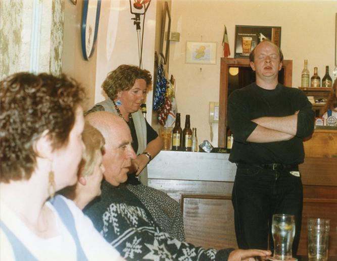 Éanna Mac Fhionnlaoich, singer, & others / Luke Cheevers