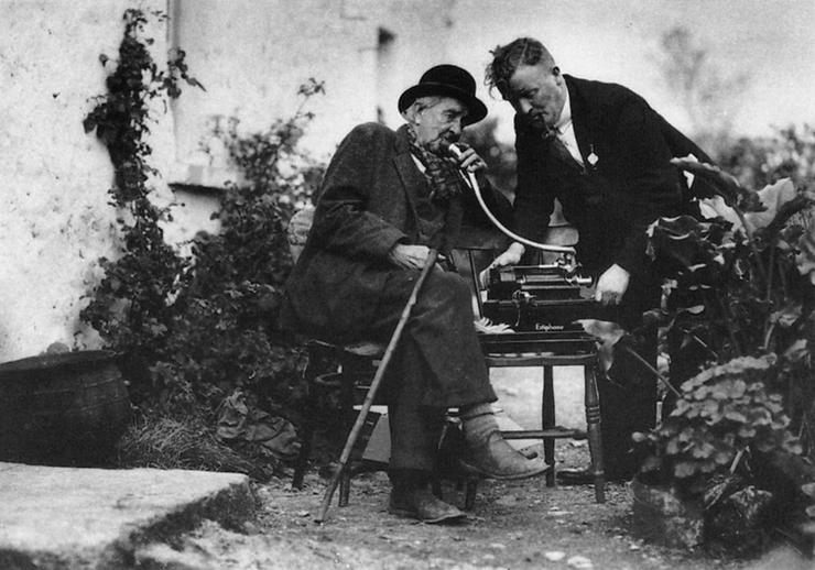 Tadhg Ó Murchú, collector / [unidentified photographer]
