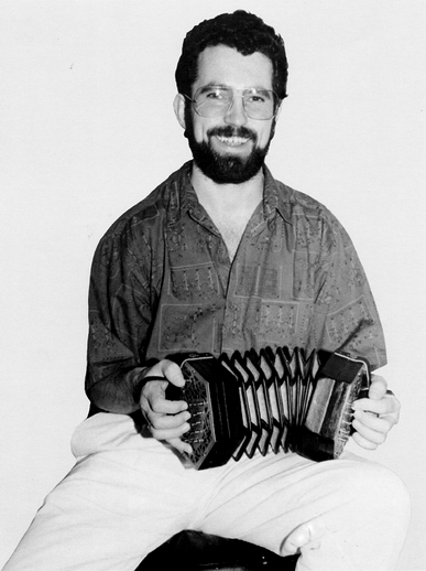 Noel Hill, concertina / [unidentified photographer]