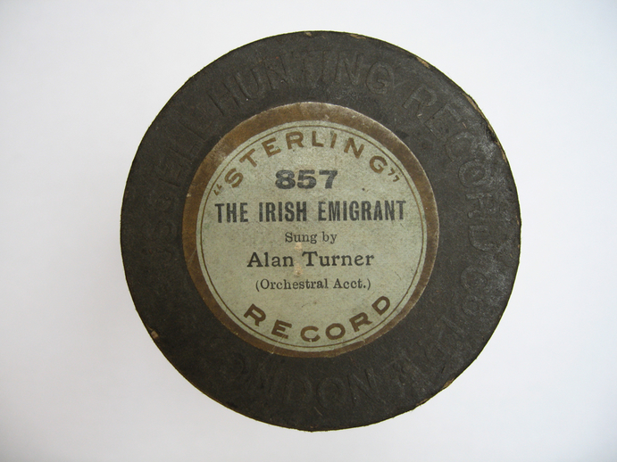 Sterling cylinder lid. The Irish emigrant : sung by Alan Turner / Henri Chamoux