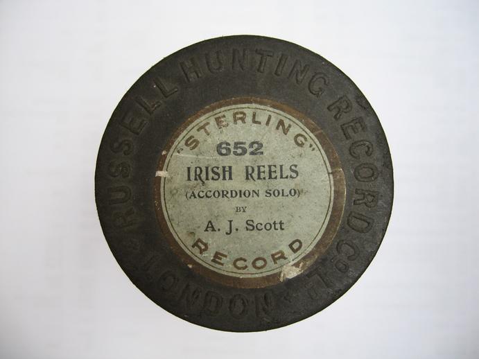 Sterling cylinder box lid. Irish reels : A. J. Scott / Henri Chamoux