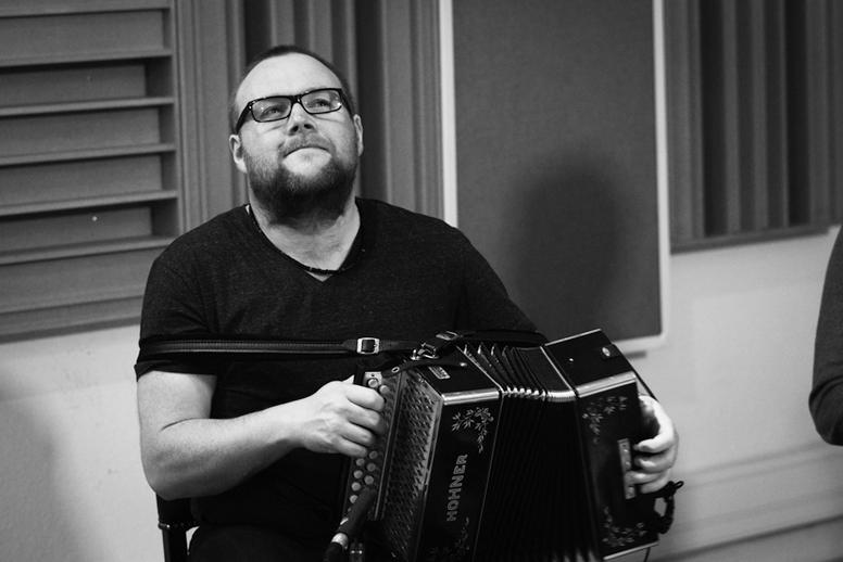 Dave Munnelly, accordion, 2013 / Danny Diamond