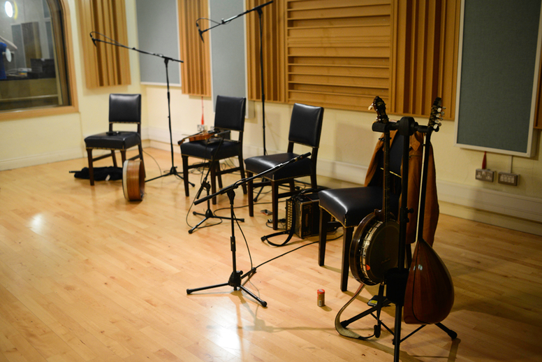 Empty chairs and instruments in the ITMA studio, 2013 / Danny Diamond