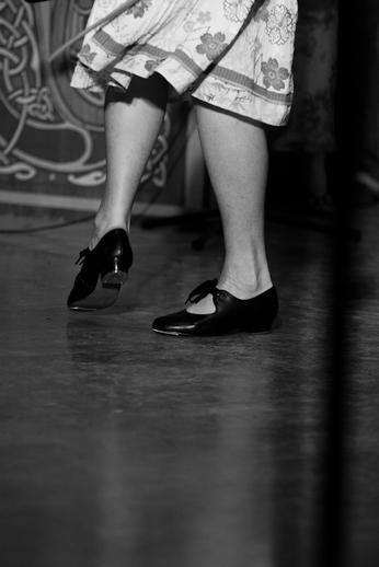 Feet of unidentified dancer / Danny Diamond