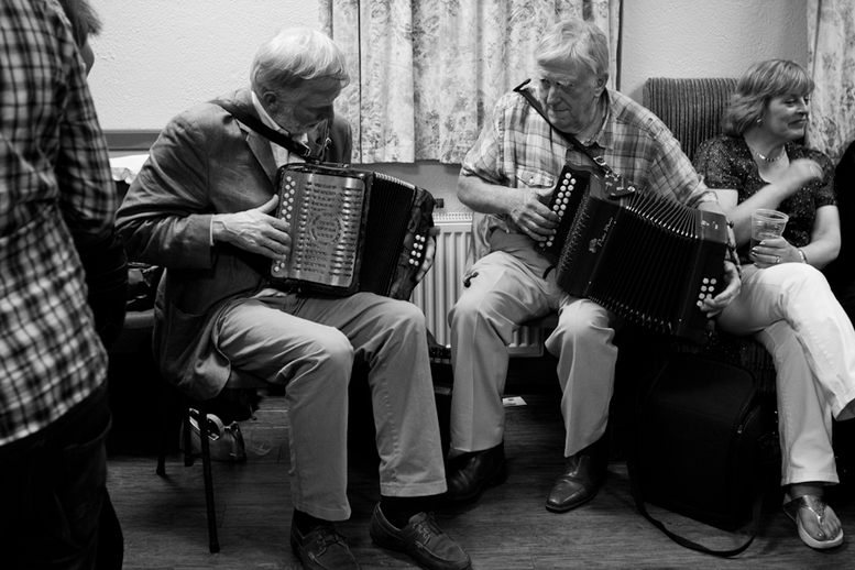 Charlie Harris and Bobby Gardiner, accordions, 2010 / Danny Diamond