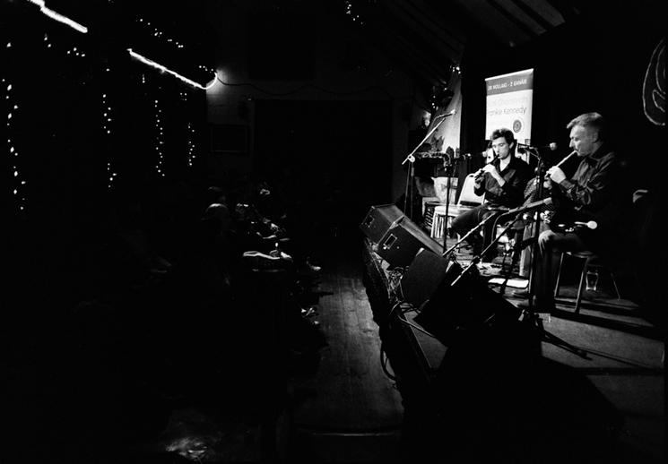 Caoimhín Ó Raghallaigh and Mick O'Brien, whistles, 2011 / Danny Diamond