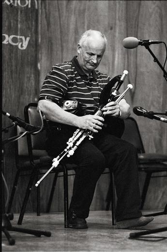 Mickey Dunne, uilleann pipes, 2011 / Danny Diamond