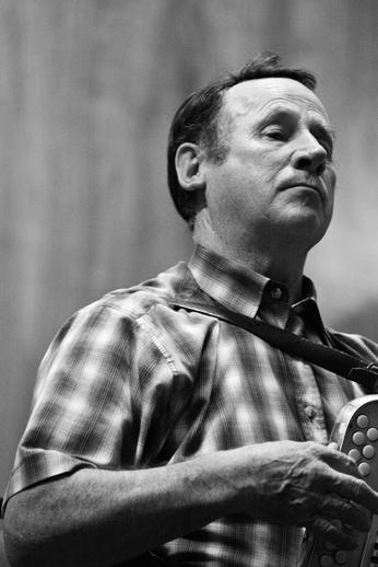 Mick Mulcahy, accordion, 2010 / Danny Diamond