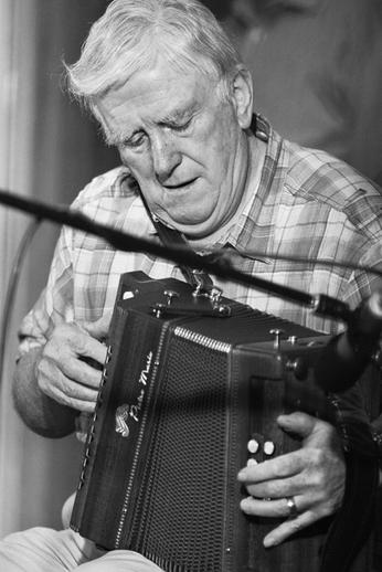 Bobby Gardiner, accordion, 2010 / Danny Diamond