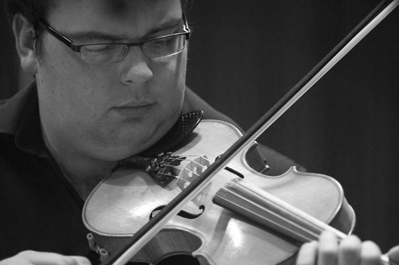 Damien McGeehan, fiddle, 2010 / Danny Diamond