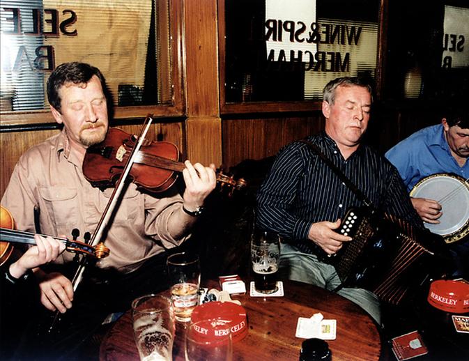 Mick O'Grady & Oliver Farrelly / Steven de Paoire