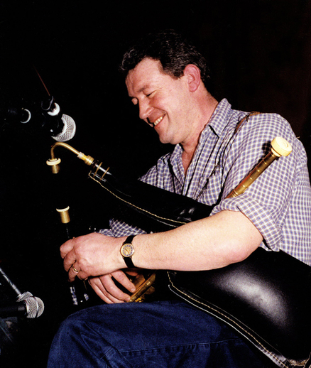 Neillidh Mulligan, pipes / Steven de Paoire