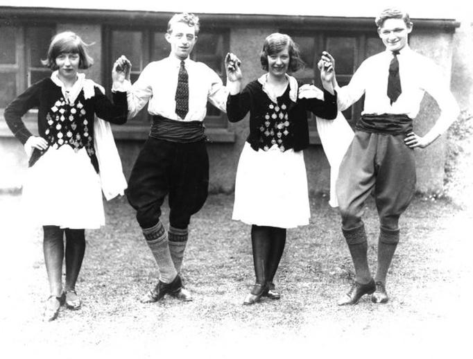 Rita Hemsworth, dancer, & others, 1932 / Cork Examiner photographer