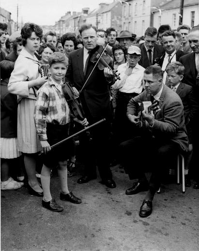 Unidentified musicians at the Fleadh Cheoil, Gorey, 1962 / Bord Fáilte