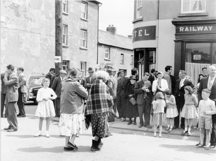 Crowd at the Fleadh Cheoil, Gorey, 1962 / Bord Fáilte