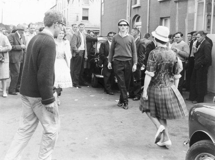 Group of men and women dancing at the Fleadh Cheoil, Gorey, 1962 / Bord Fáilte