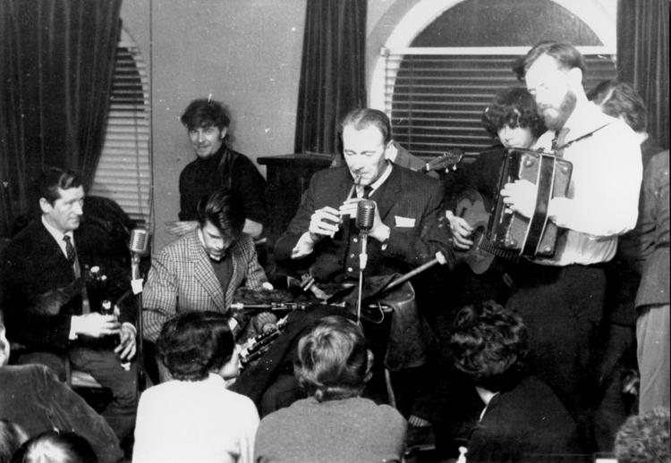 John Keenan, Paul Furey, Paddy Keenan, Séamus Ennis, George Furey and Tony Mac Mahon