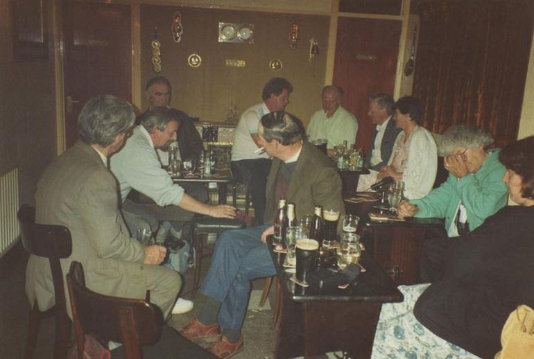 Session in Brass Rail Bar, Buncrana, 1991 / Ken Garland