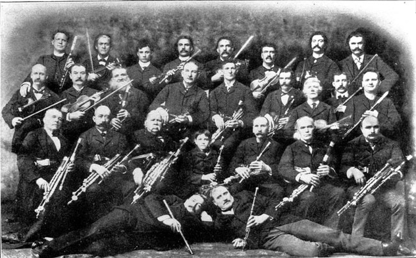 The Irish Music Club of Chicago, ca. 1901-09 / unidentified photographer