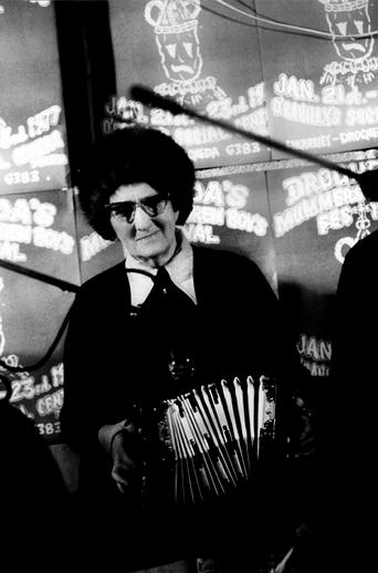 Mary Ann Carolan, concertina, 1977 / Joe Dowdall
