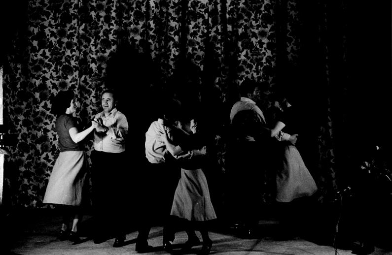Ballybunion set dancers,1977 / Joe Dowdall