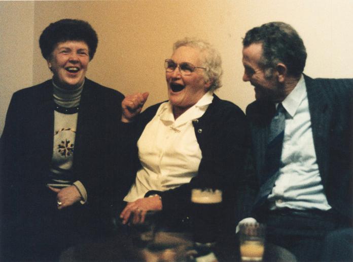 Sarah Anne O'Neill, singer, 1993 / Ken Garland