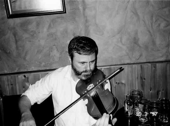 Caoimhín Mac Aoidh, fiddle, 1997 / Mark Jolley
