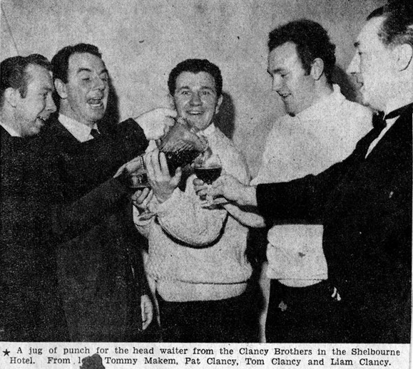 Clancy Brothers, group, 1964 / Sunday Independent photographer
