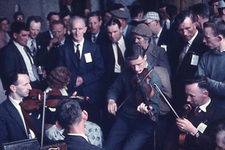 Pádraig Ó Mathúna, fiddle, & others, 1959 / Pádraig Ó Mathúna