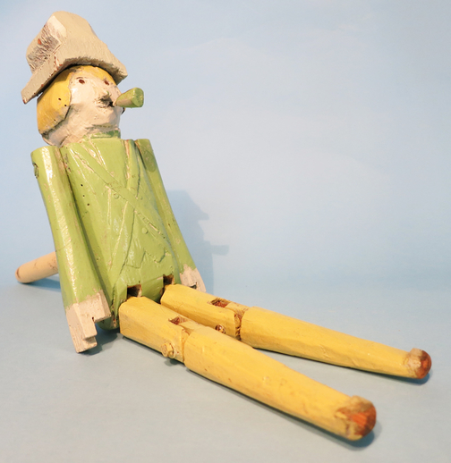 Wooden dancing doll made by Walter Pardon / ITMA photographer