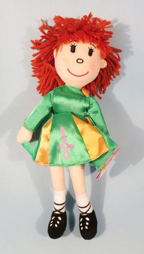 Ragdoll in Irish dancing costume / ITMA photographer