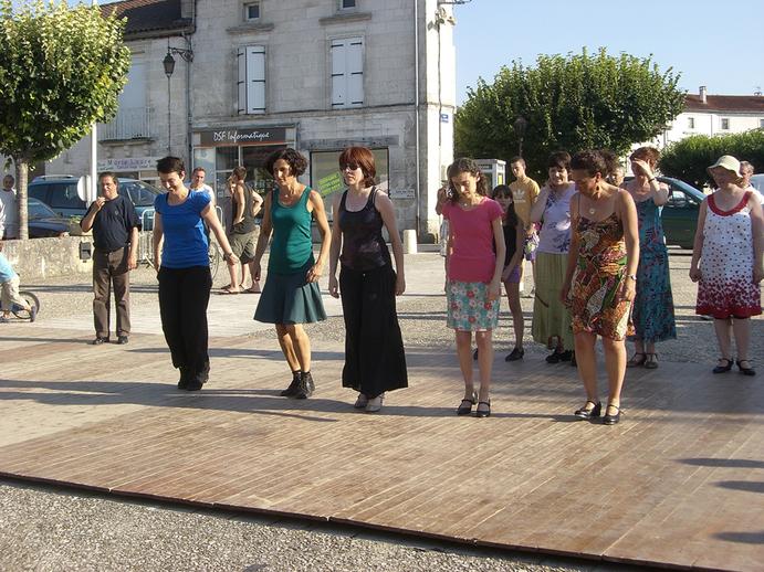 Unidentified dancers, Tocane, 2012 / [unidentified photographer