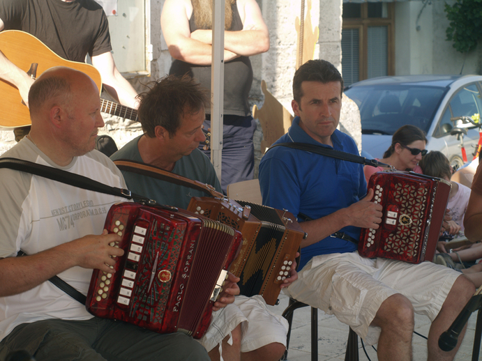 Unidentified accordion players, Tocane, 2012 / [unidentified photographer