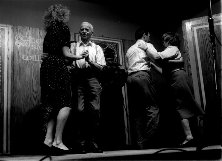 Dan O'Keeffe and Sliabh Luachra dancers, 1992 / Tony Kearns, photographer