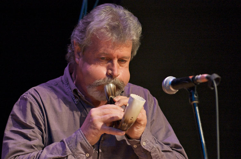 Alan Griffin, horn, 2009 / Paul Eliasberg
