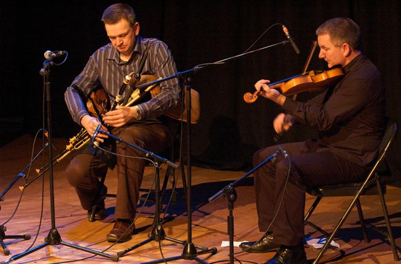 Robbie Hannan, uilleann pipes, & others, 2008 / Paul Eliasberg