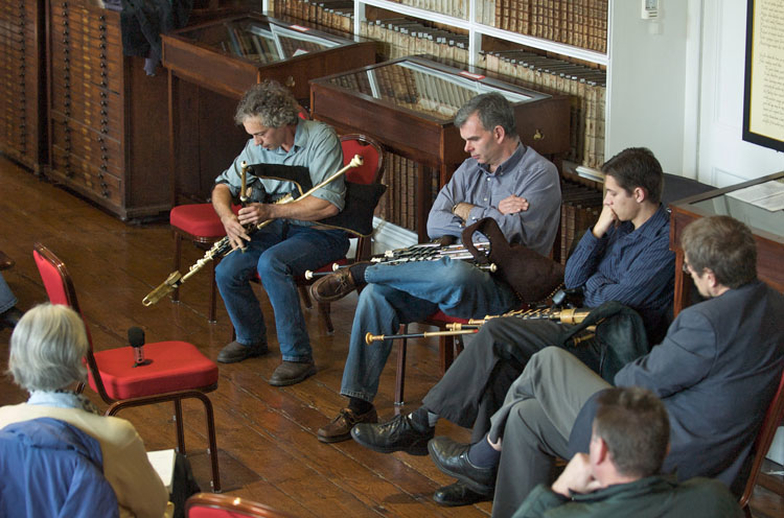 Marc Pollier, uilleann pipes, 2009 / Paul Eliasberg