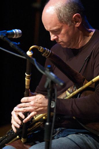 Jimmy O'Brien Moran, uilleann pipes, 2006 / Paul Eliasberg