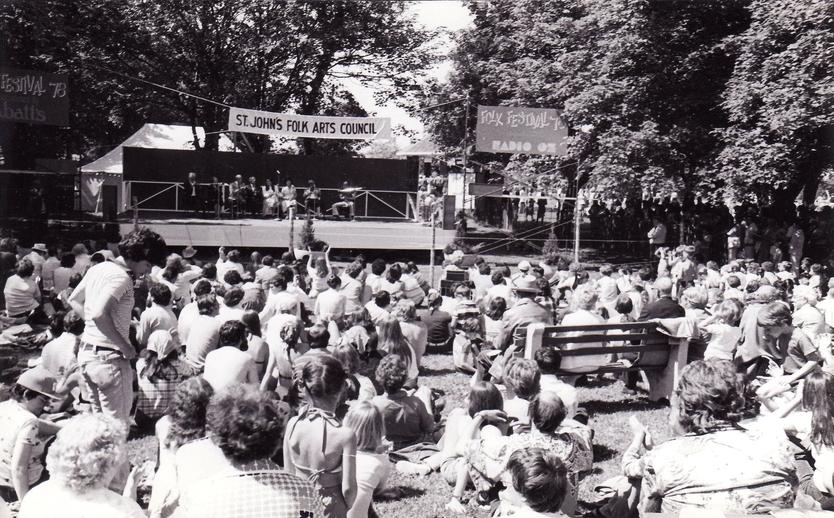 A view of the crowd at the 1978 Newfoundland Folk Festival / Len Penton, photographer