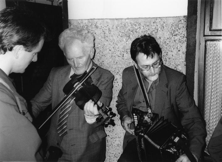 Joe Ryan, Paddy O'Brien and Marcas Ó Murchú, 1993 / Tony Kearns, photographer