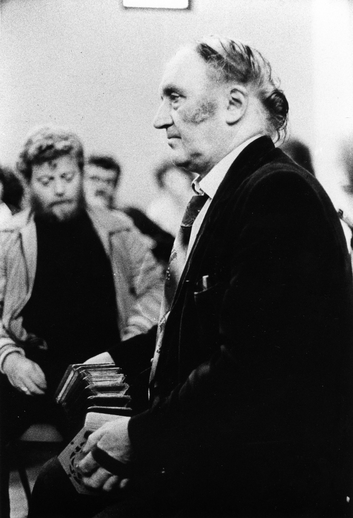 John Kelly, with Tom Munelly in the background, 1970s / Unidentified photographer