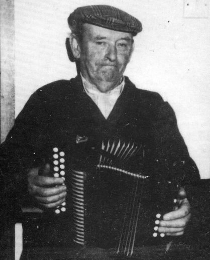 Denis McDaid, accordion / [unidentified photographer]
