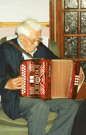 Joe McNamara, accordion / Máire O'Keeffe