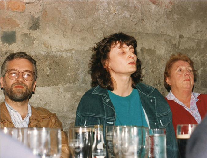 Finola Ó Siochrú, singer, & others, 1993 / Luke Cheevers