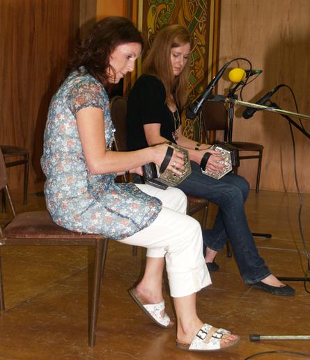 Aoife O'Connor, concertina ; Aoife O'Kelly, concertina, 2007 / ITMA Photographer