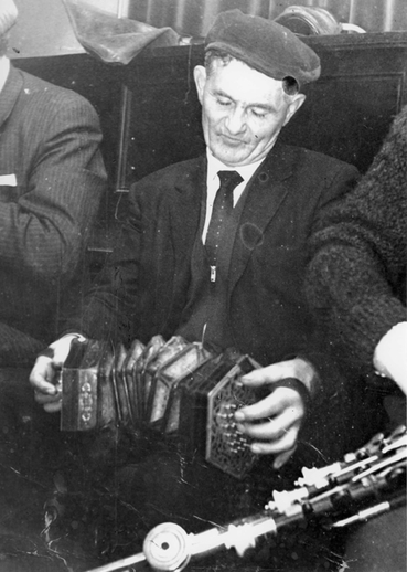 Solus Lillis, Cooraclare, Co Clare, concertina / [unidentified photographer]